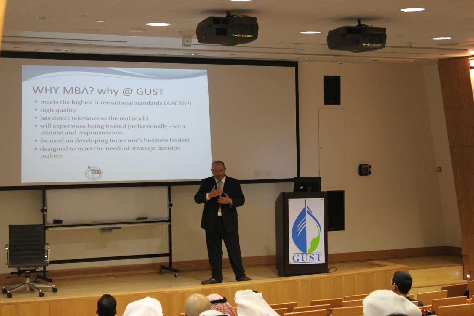 the growing critiques of mba programs Additional points are awarded if these doctoral graduates took up faculty positions at one of the top 50 full-time mba schools of 2013 21 this is calculated according to the number of articles published by a school's current full-time faculty members in 45 selected academic and practitioner journals between january 2012 and october 2014.